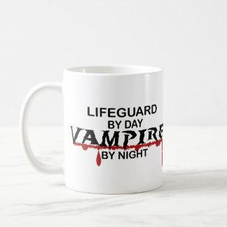 Leibwächter-Vampir bis zum Nacht Tasse