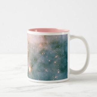 Leuchtender Carina-Nebelfleck Zweifarbige Tasse
