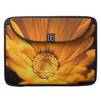 Leuchtorange-Gänseblümchen Wilflower Sleeves Für MacBooks