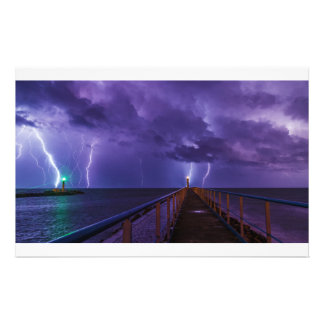 Leuchttürme in einem Gewitter mit lila Regen Briefpapier