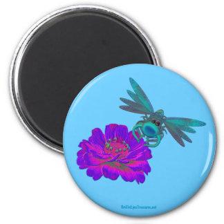 Libelle auf Blumen-lustigem Magneten Runder Magnet 5,7 Cm