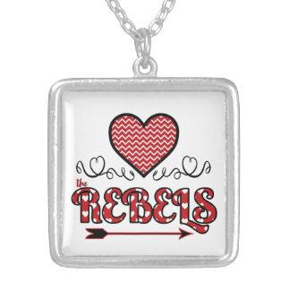Liebe die Rebell-Halskette (Quadrat) Versilberte Kette