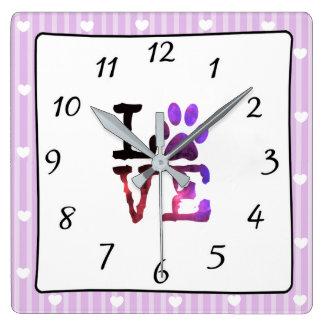 LIEBE Hund oder Katzen-Tatzen-Druck-rosa und lila Quadratische Wanduhr