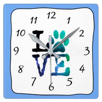LIEBE Hundetatzen-Druck-blaue blaue Uhr