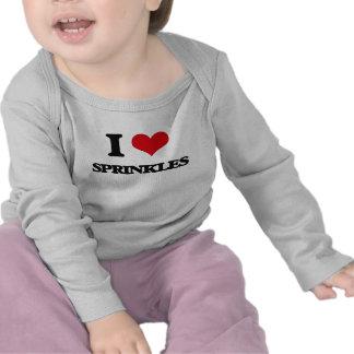 Liebe I besprüht T Shirts