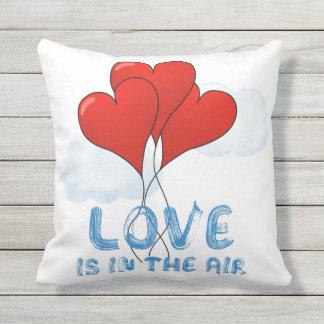 Liebe ist in der Luft Kissen