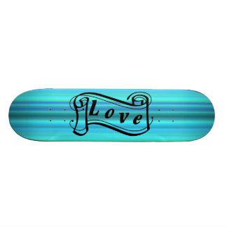 Liebe Schriftrolle auf blau grün streifen Skateboard Bretter