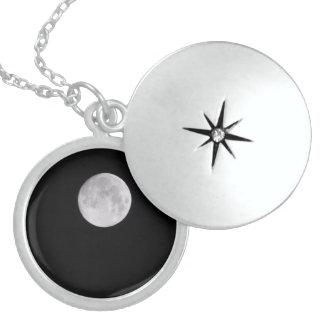 Liebe Sie zum Mond und zur Rückseite Medaillon