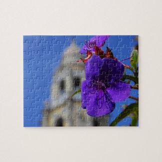 Lila Blumen-u. Turm-Puzzlespiel Jigsaw Puzzles
