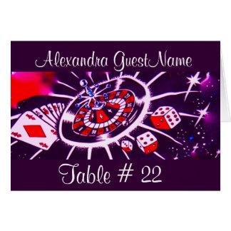 Lila Leidenschafts-Tischnummer und Gast-Name Karte