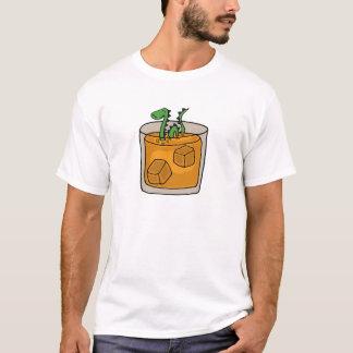 Loch- Nessmonster im schottischer Whisky-Glas T-Shirt