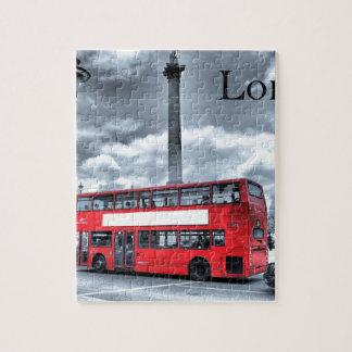 LONDON-BUS in Schwarzem u. im Weiß (St.K) Puzzle