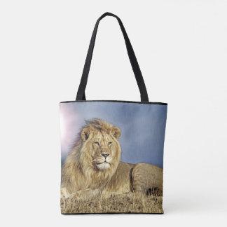 Löwe in der Safari-Tasche