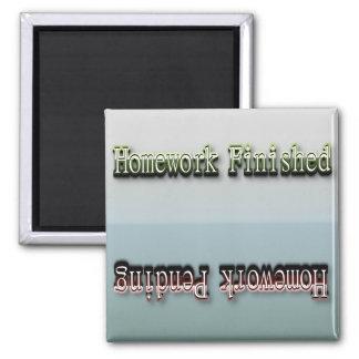 Lustig drehen Sie Magneten - Hausaufgaben-Status Quadratischer Magnet