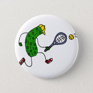 Lustige Essiggurke, die Tennis-Cartoon spielt Runder Button 5,7 Cm
