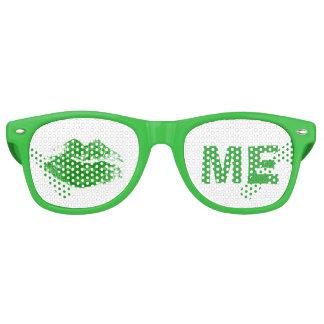 Lustige Grüne küssen mich Iren-St Patrick Tag Retro Sonnenbrillen