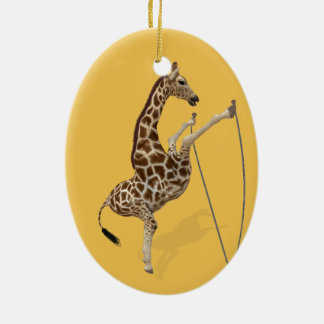 Lustige sportliche Giraffe Ovales Keramik Ornament