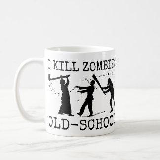 Lustiger Retro alte Schulzombie-Mörder-Jäger Tasse