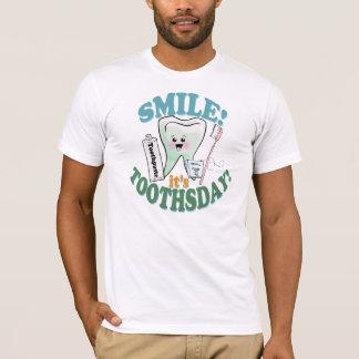 Lustiger Zahnarzt-zahnmedizinisches berufliches T-Shirt
