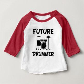 Lustiges Baby-Shirt des zukünftigen Schlagzeugers Baby T-shirt