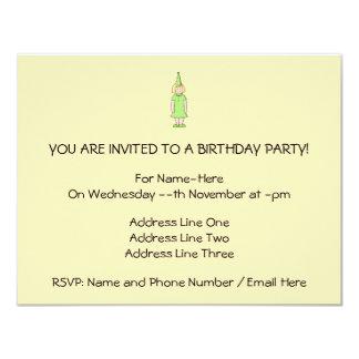 Mädchen in einer grünen Geburtstags-Ausstattung 10,8 X 14 Cm Einladungskarte