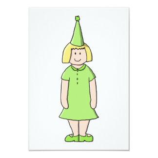Mädchen in einer grünen Geburtstags-Ausstattung 8,9 X 12,7 Cm Einladungskarte