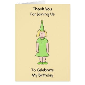Mädchen in einer grünen Geburtstags-Ausstattung Karte