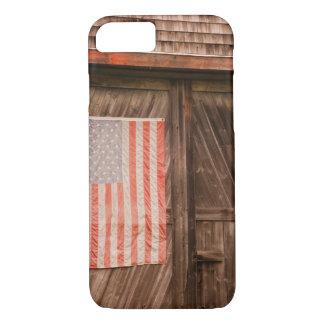 Maine, verblaßte amerikanische Flagge auf Tür der iPhone 7 Hülle