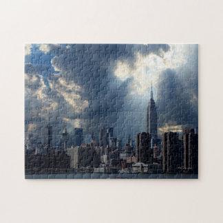 Manhattan-Skyline mit Sturm-Wolken Puzzle