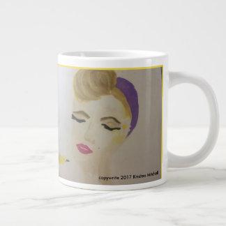 Marilyn, die einen Vogel auf Kaffee-Tasse hält Jumbo-Tassen