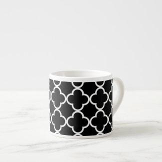 Marokkanisches Schwarz-weißes Quatrefoil Muster Espressotasse