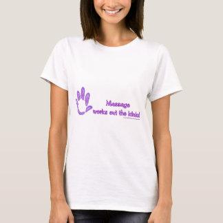 Massage arbeitet die Schleifen aus T-Shirt