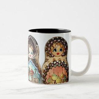 Matryoshkas Zweifarbige Tasse