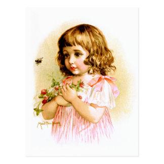 Maud Humphrey: Sommer-Mädchen mit Blumen und Biene Postkarte