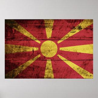 Mazedonien-Flagge auf altem hölzernem Korn Poster
