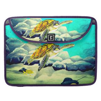 Meeresschildkröte, die schönes blaues Meer malt Sleeve Für MacBooks