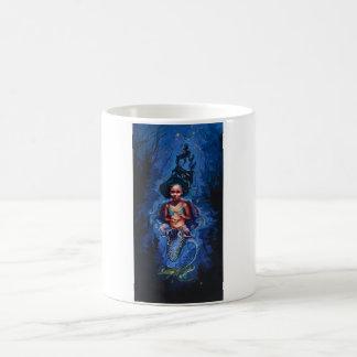Meerjungfrau in einem Quallenrock, klassische Kaffeetasse