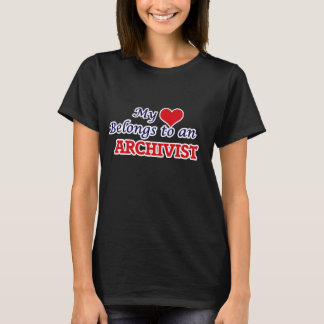 Mein Herz gehört einem Archivar T-Shirt