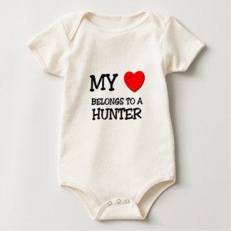 Mein Herz gehört einem JÄGER Baby Strampler