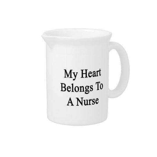 Mein Herz gehört einer Krankenschwester Getränke Krüge