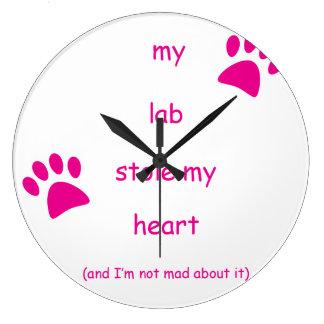 Mein Labrador stahl mein Herz Große Wanduhr
