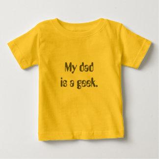 Mein Vati ist ein Geek. Baby T-shirt