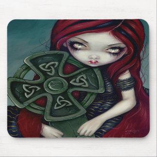Merkwürdig einsamer gotischer feenhafter Celtic Mousepad