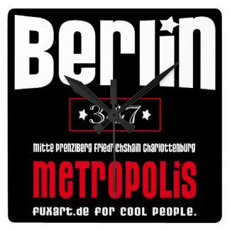 Metropolis Berlin - W01 Quadratische Wanduhr