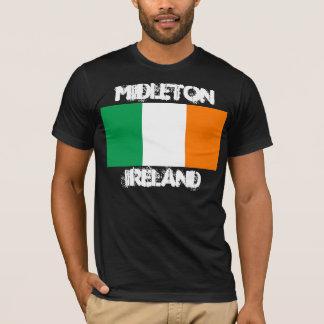 Midleton, Irland mit irischer Flagge T-Shirt