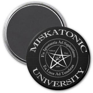 Miskatonic Hochschulmagneten Runder Magnet 7,6 Cm
