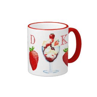 Mit Monogramm Erdbeereiscremebecher-Vanille-Schoko