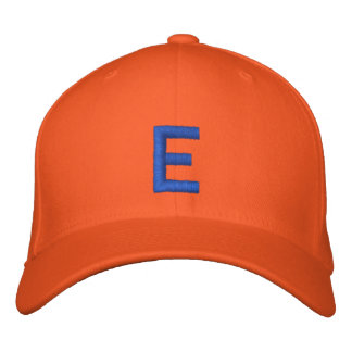 Mit Monogramm justierbare Kappe E