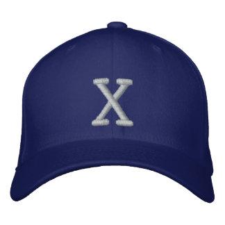 Mit Monogramm justierbare Kappe X