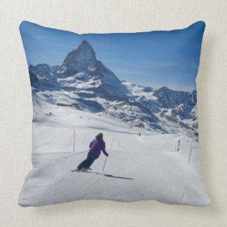Mit Mt. Matterhorn in Zermatt Ski fahren, die Kissen
